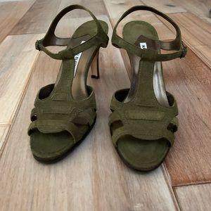 New Green Suede T strap Hiken Manolo Blahnik Heels